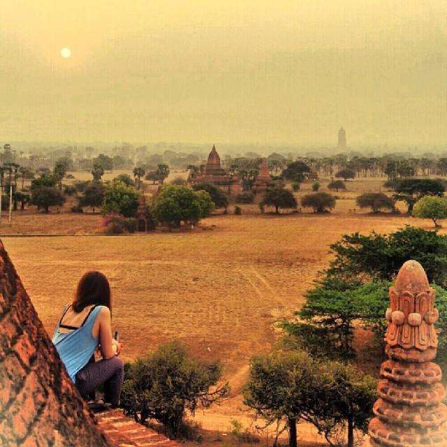 Van de zonsopgang genieten bovenop een pegoda waar je gewoon op kunt klimmen