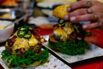 foodoracle saints & sinners vegan meat